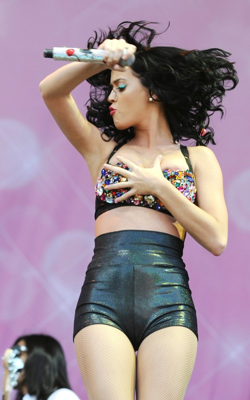 katy-perry-touch-05