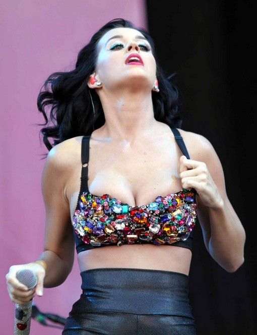 katy-perry-touch-06