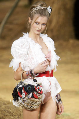 chanel_ss2010_28