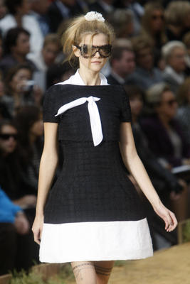 chanel_ss2010_31