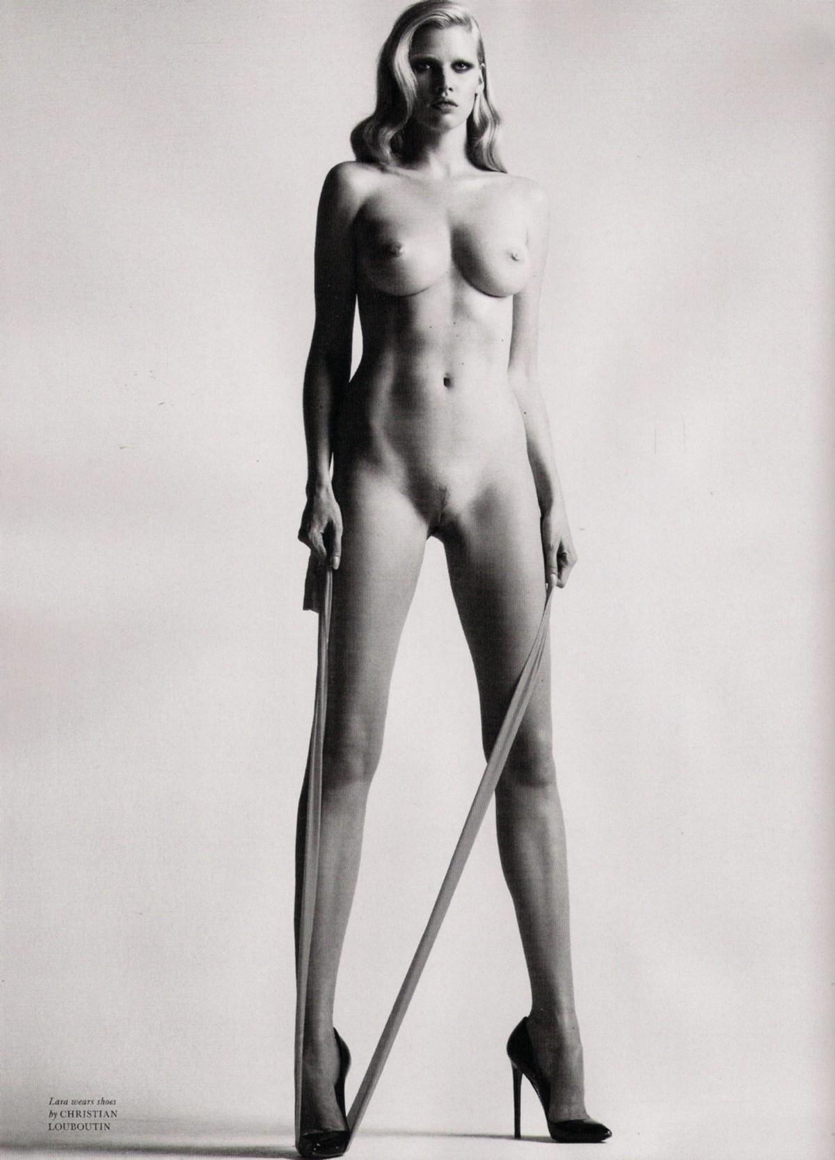 Nackt lara stone Milla Jovovich